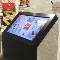 Touchscreen for shops